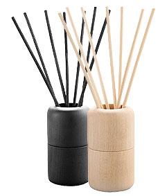 2 diffuseurs de parfums Wooden, noir et naturel