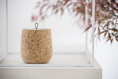 Hypsoé : Wooden scented candle made of cork