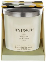 Hypsoé scented candles presented in a white frosted glass with a brushed aluminium lid. Cardboard box with the Hypsoé colors (yellow, black, ping, grey) Frangrance : pignon de pin